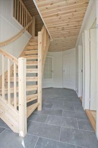 Bilde av lik hytte innvendig, hall/entre.