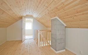 Bilde av lik hytte innvendig, loftstue 2. etg.